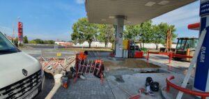 obrazek do wpisu Wymiana rury odprowadzającej opary benzyny (VRS) na stacji paliw
